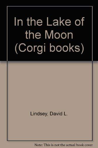 9780552134569: In The Lake Of The Moon (Corgi Books)