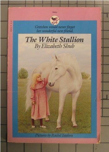 9780553152449: The White Stallion