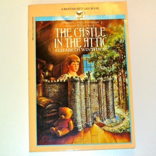 9780553156010: Castle in the Attic