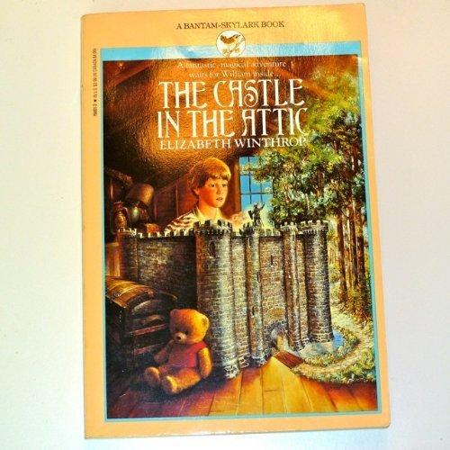 9780553156010: The Castle in the Attic