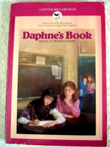 9780553156317: Daphne's Book