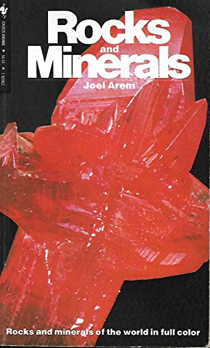 9780553236095: ROCKS AND MINERALS (Knowledge Through Color)