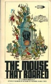 The Mouse That Roared (055324969X) by Leonard Wibberley