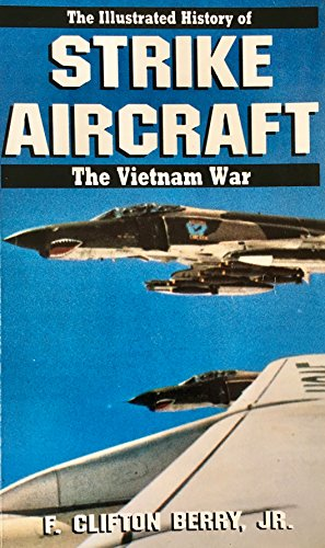 9780553345087: STRIKE AIRCRAFT #9 (Illustrated History of the Vietnam War)
