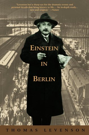 9780553378443: Einstein in Berlin