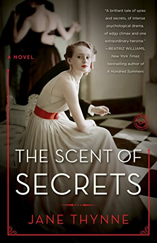 9780553393903: The Scent of Secrets: A Novel (Clara Vine)