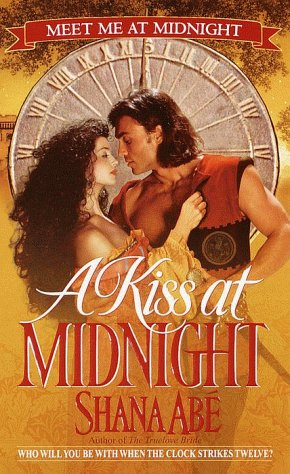 9780553580570: A Kiss at Midnight