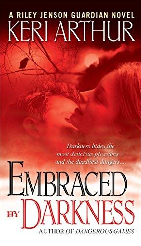 9780553589610: Embraced By Darkness (Riley Jenson)