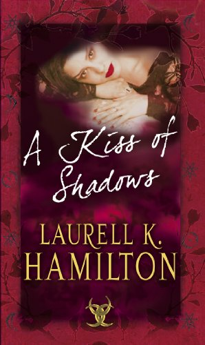 9780553813838: A Kiss Of Shadows: (Merry Gentry 1)