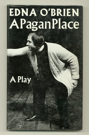 9780571103362: A Pagan Place: Play
