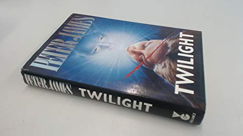 9780575050631: Twilight (SIGNED)