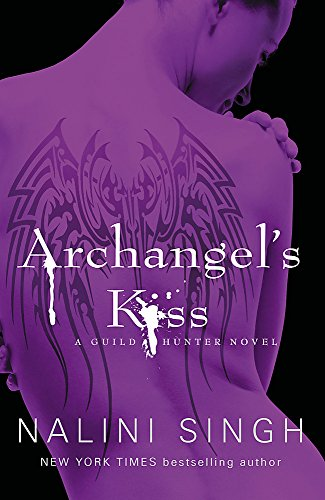 9780575095748: Archangel's Kiss: The Guild Hunter Series