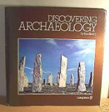 9780582390911: DISCOVERING ARCHAEOLOGY
