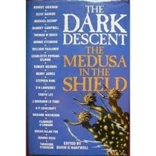 9780586214299: The Dark Descent - The Medusa In The Shield