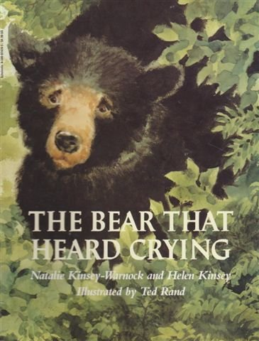 9780590024204: The Bear That Heard Crying