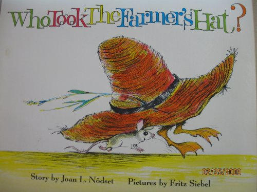9780590029506: Who Took the Farmer's Hat?