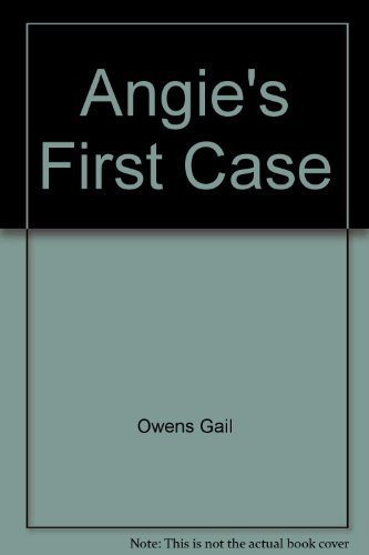 9780590075640: Angie's first case