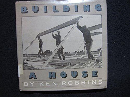 9780590078870: Building a house