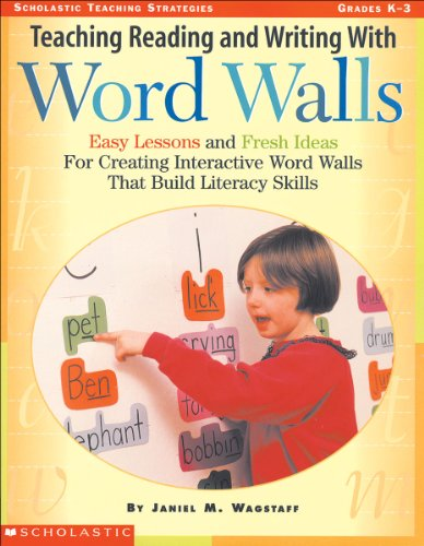 9780590103909: Teaching Reading and Writing with Word Walls (Teaching Strategies)