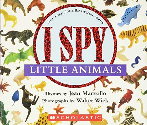 9780590117111: I Spy Little Animals