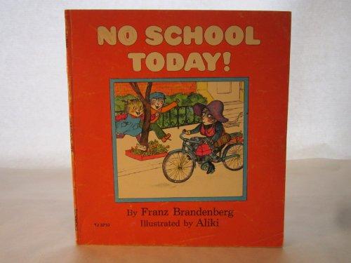 9780590118880: No School Today