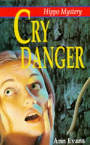 9780590131636: Cry Danger (Hippo Mystery)
