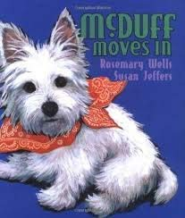 9780590227964: McDuff Moves In