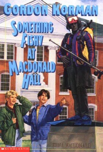 9780590255226: Something Fishy At Macdonald Hall (Bruno and Boots)