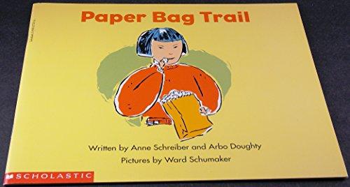 9780590273732: Paper bag trail (Beginning literacy)
