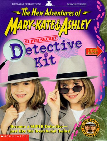 9780590293969: Super Secret Detective Kit: Become a Super Detective-Just Like the Trenchcoat Twins (The New Adventures of Mary-Kate and Ashley)