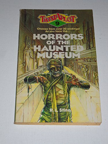 9780590329309: Horrors of the Haunted Museum