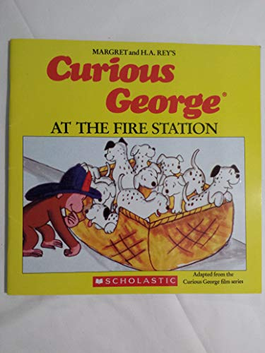 9780590404327: Curious George at the Fire Station