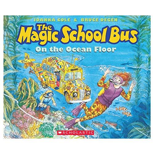 9780590414319: The Magic School Bus on the Ocean Floor