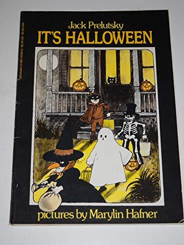 9780590415361: It's Halloween
