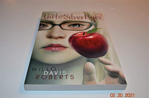 9780590427104: The girl with the silver eyes