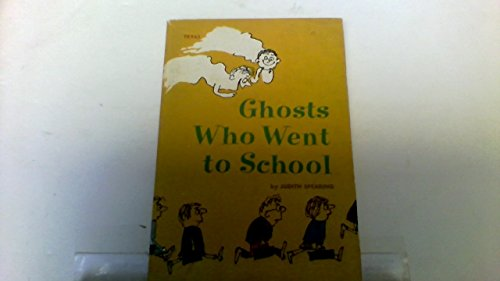 9780590428590: Ghosts Who Went to School