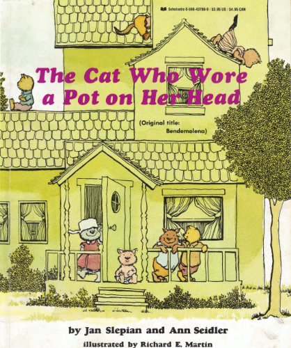 9780590437080: The Cat Who Wore a Pot On Her Head