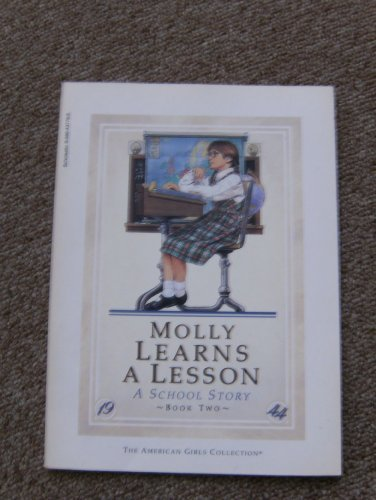 9780590437790: Molly learns a lesson: A school story (The American girls collection)