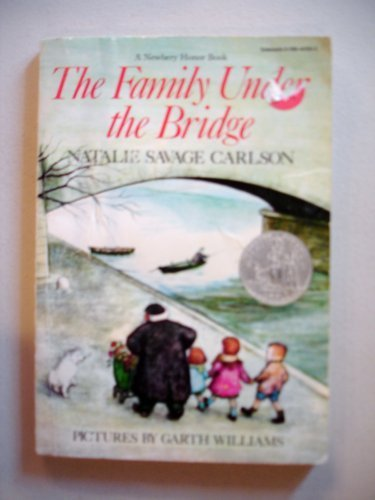 9780590441698: The Family Under the Bridge