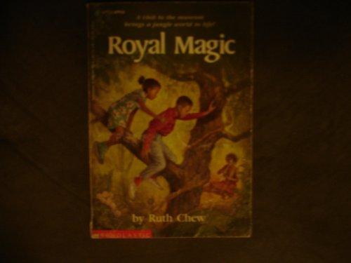 9780590447423: Royal Magic