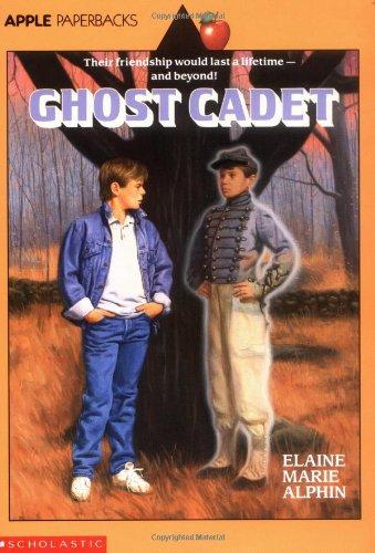 9780590452441: Ghost Cadet (Apple Paperbacks)