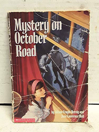 9780590460118: Mystery on October Road