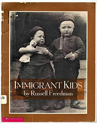 9780590465656: Immigrant Kids