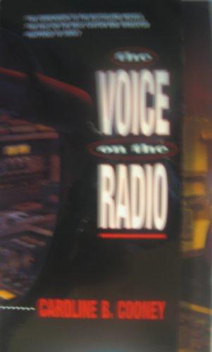 9780590519144: The Voice On The Radio