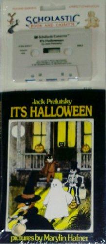 9780590608343: It's Halloween
