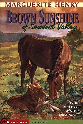 9780590637558: Brown Sunshine of Sawdust Valley [Paperback] by Marguerite Henry