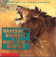 9780590730709: Vanishing Animals of the Wide Open Spaces