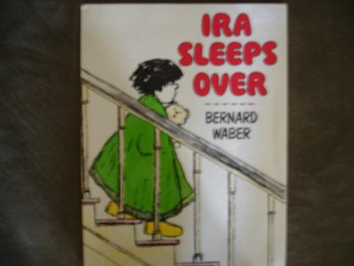 9780590757515: Ira sleeps Over
