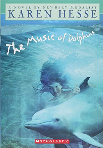 9780590897983: The Music of Dolphins (Apple Signature Edition)