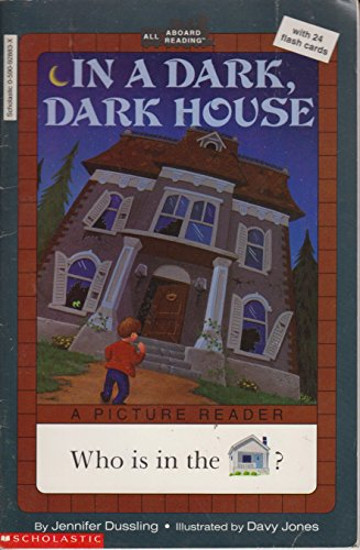 9780590928830: In a Dark Dark House